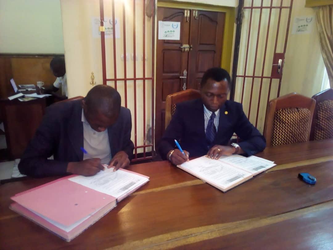 Signature-de-la-convention-de-partenariat-2